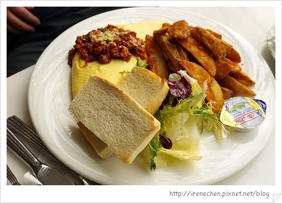 向brunch24-辣味肉醬野菇乳酪蛋捲.jpg