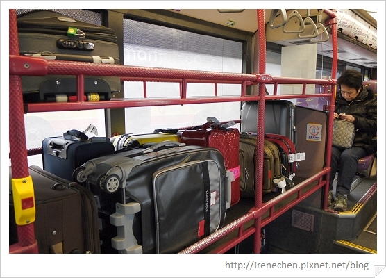 HK036-車內放行李的地方.jpg