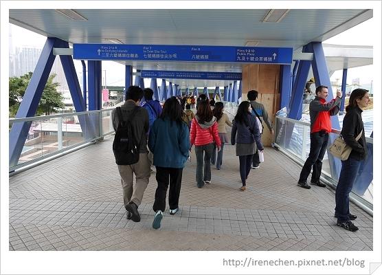 HK080-往中環碼頭的行人天橋.jpg