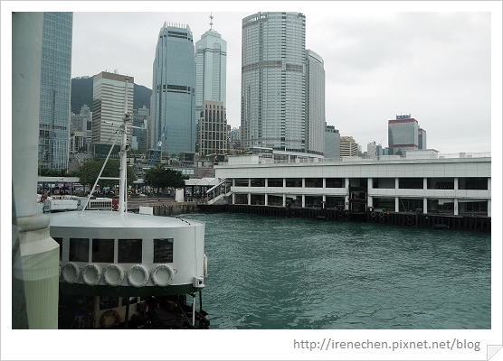 HK087-碼頭內落地玻璃往外拍.jpg