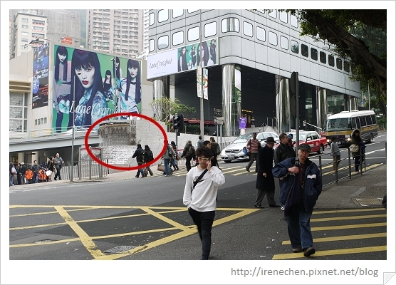 HK402-環花園道山頂纜車站.jpg