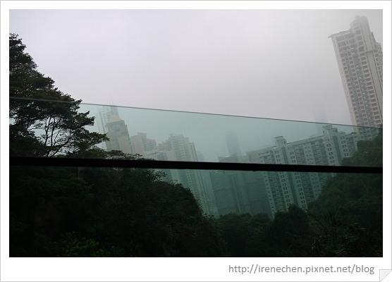 HK416-山頂纜車窗景.jpg