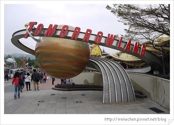 HK596-香港迪士尼樂園明日世界.jpg