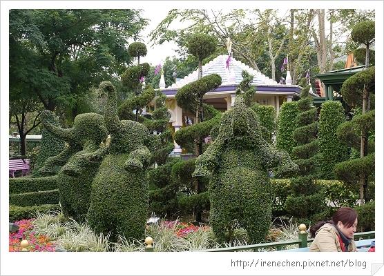 HK604-香港迪士尼樂園大象造型植栽.jpg