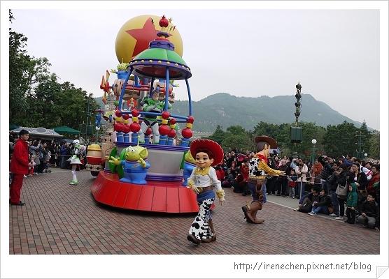 HK636-香港迪士尼樂園飛天巡遊.jpg