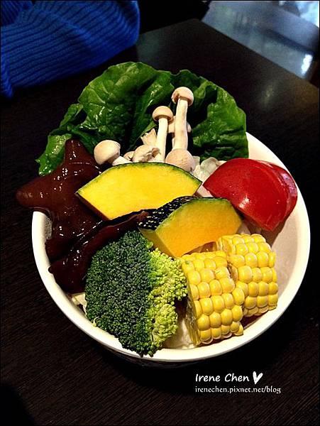 三重齊味麻辣鴛鴦鍋-7.JPG