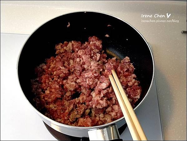 香菇肉燥03.JPG