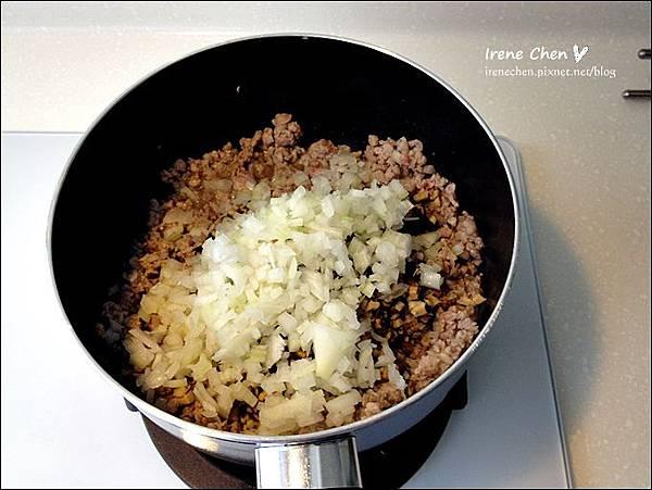 香菇肉燥05.JPG