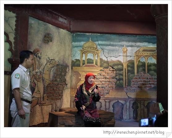Bali341-野生動物園(和蛇合照).jpg