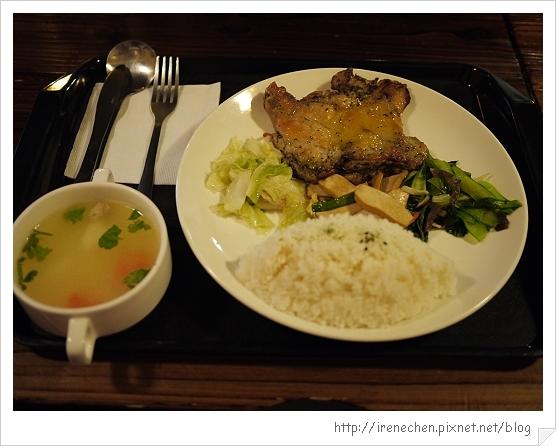 台北花卉村13-萊茵庭園咖啡(香草雞腿排飯).jpg