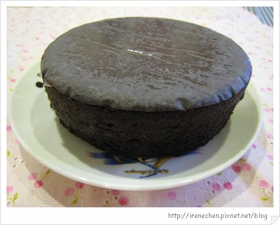 經典巧克力蛋糕成品-2.jpg