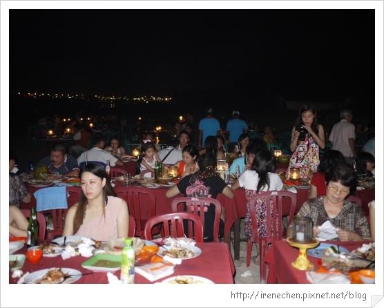 Bali495-金巴蘭海灘吃海鮮(夜景).jpg