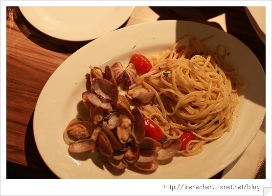 SOLO Pasta-12-拿破里海瓜子扁舌麵.jpg