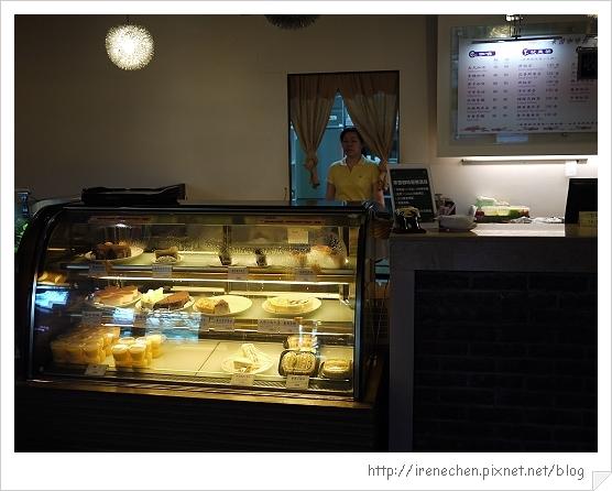 台北花卉村09-萊茵庭園咖啡甜點櫃.jpg