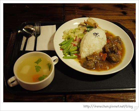 台北花卉村11-萊茵庭園咖啡(紅燒牛腩).jpg