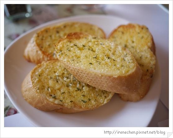 洞天法國農莊09-香蒜麵包.jpg