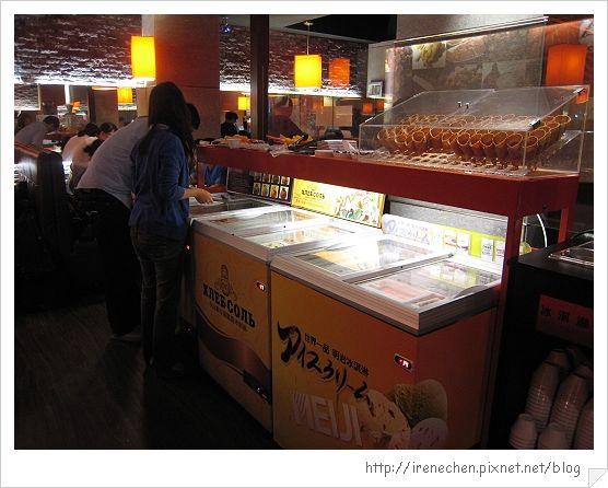 小蒙牛公館店04-冰淇淋區.jpg
