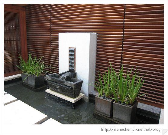 32行館19-茶屋外的水池造景.jpg