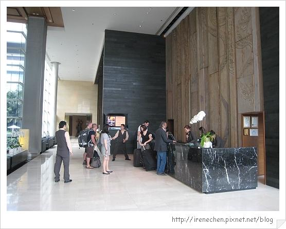 2010曼谷018-Pullman King Power飯店lobby.jpg