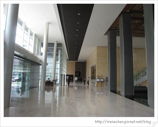 2010曼谷021-Pullman King Power飯店lobby.jpg