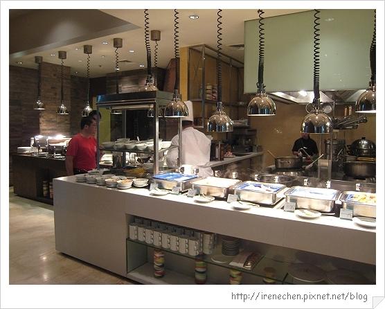 2010曼谷050-Pullman King Power餐廳.jpg