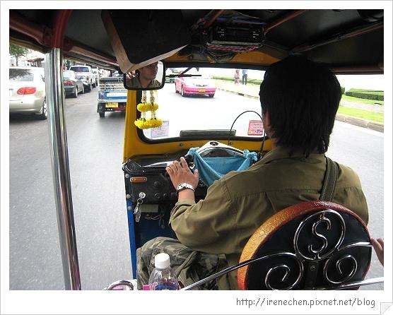 2010曼谷136-嘟嘟車.jpg