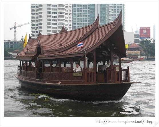2010曼谷141-東方文華的接駁船.jpg