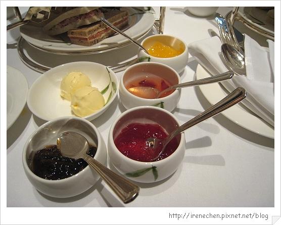 2010曼谷155-各種果醬和奶油.jpg