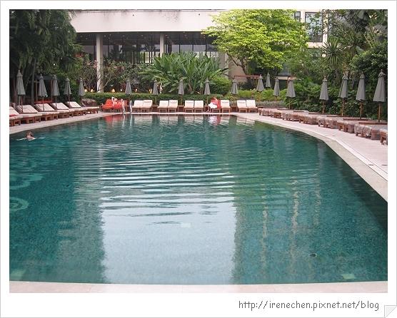 2010曼谷170-Oriental hotel泳池.jpg