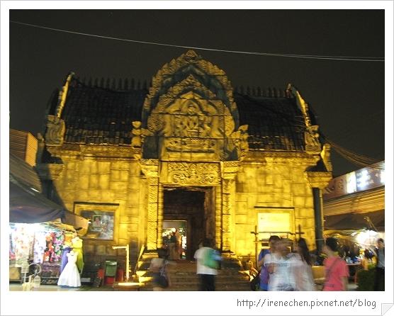 2010曼谷179-桑崙夜市旅客服務中心.jpg