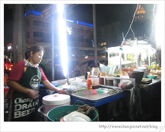 2010曼谷341-路邊美食.jpg