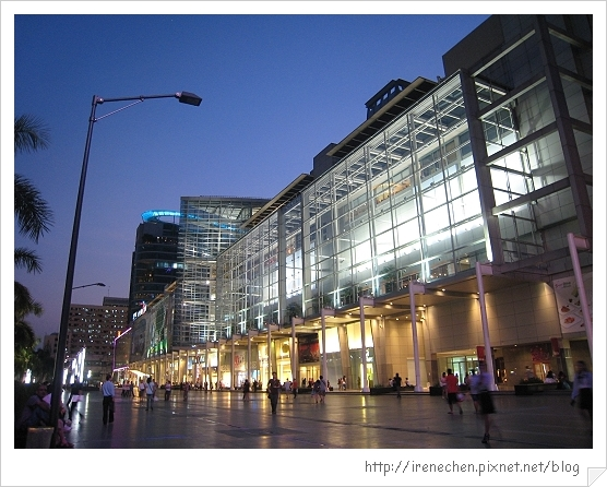 2010曼谷346-奇隆站商圈.jpg