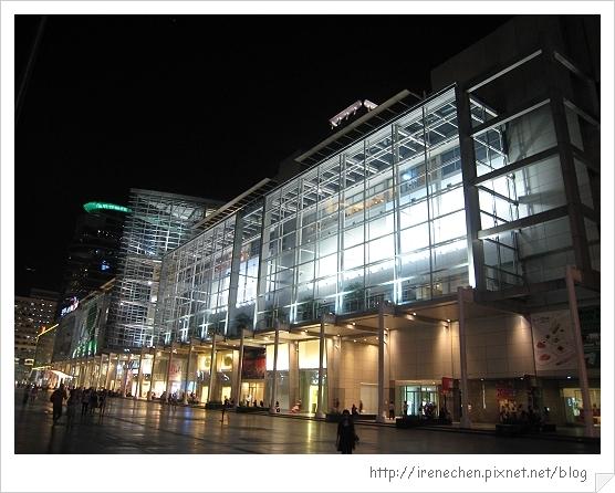 2010曼谷347-奇隆站商圈.jpg