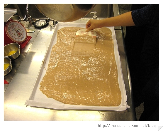 黑森林蛋糕03-可可蛋糕體.jpg