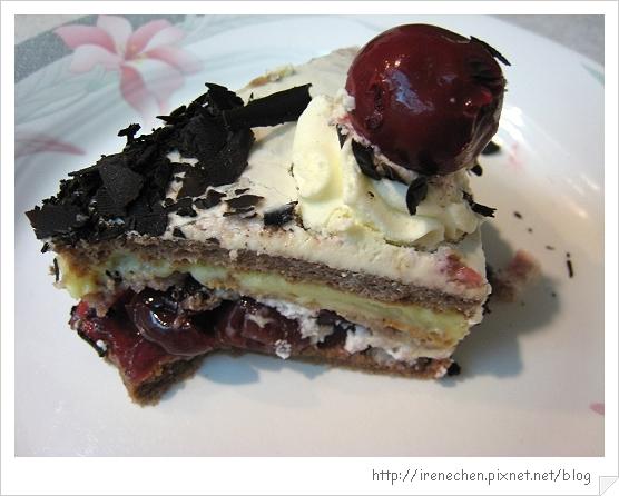 黑森林蛋糕16-成品剖面.jpg