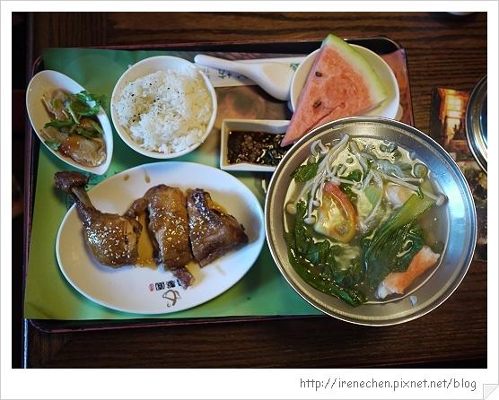逸馨園16-蜜汁雞腿餐.jpg