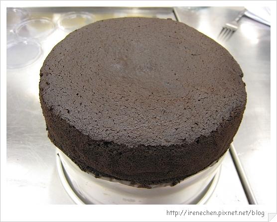 經典巧克力蛋糕成品-3.jpg