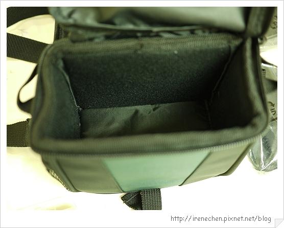 粉紅GF1入手-13(相機背袋內層).jpg