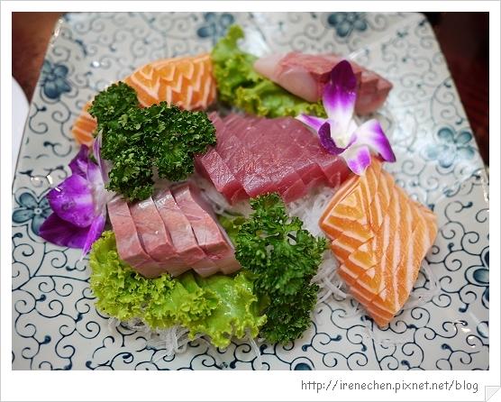 巧味海鮮01-綜合生魚片.jpg