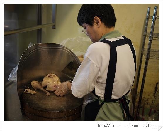 新屋鵝肉04-切鴒肉.jpg