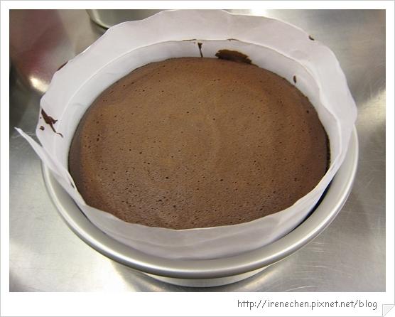 經典巧克力蛋糕成品-1.jpg