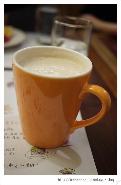 莎莉經典美食17-熱奶茶.jpg