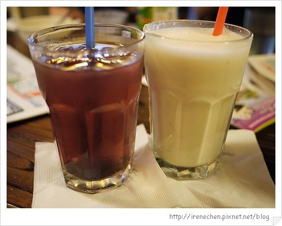 台北花卉村14-萊茵庭園咖啡(香蘋汁&桑椹汁).jpg