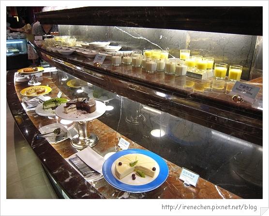 圓山飯店松鶴廳自助餐11-甜點區.jpg