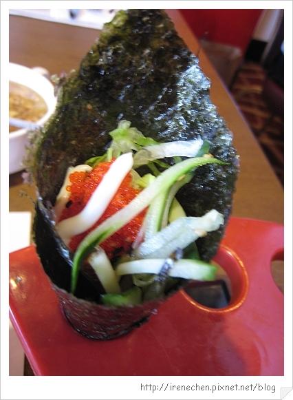 圓山飯店松鶴廳自助餐22-蝦卵手卷.jpg