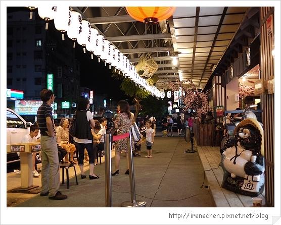 三峽八條壽司29-還有人在排.jpg