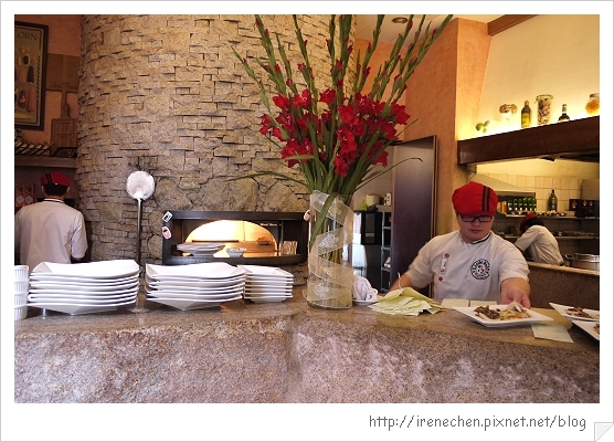 小義大利莊園06-出餐台.jpg