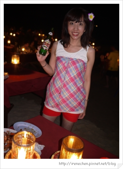 Bali496-金巴蘭海灘吃海鮮(海鮮配啤酒很讚).jpg
