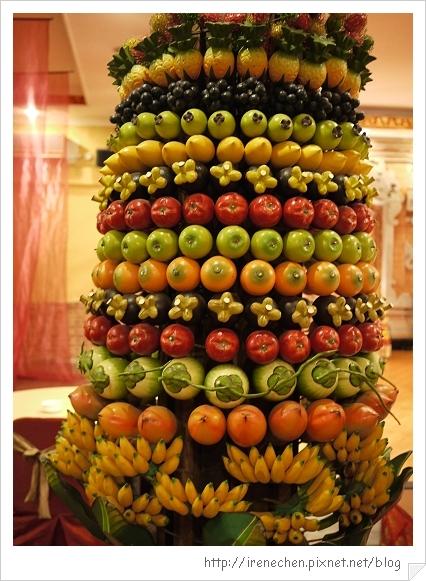 Bali217-珍寶餐廳水果柱.jpg