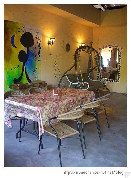 洞天法國農莊42-躺椅包廂區.jpg